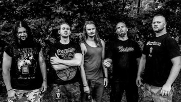 BLOOD RED THRONE fichan por Candlelight Records